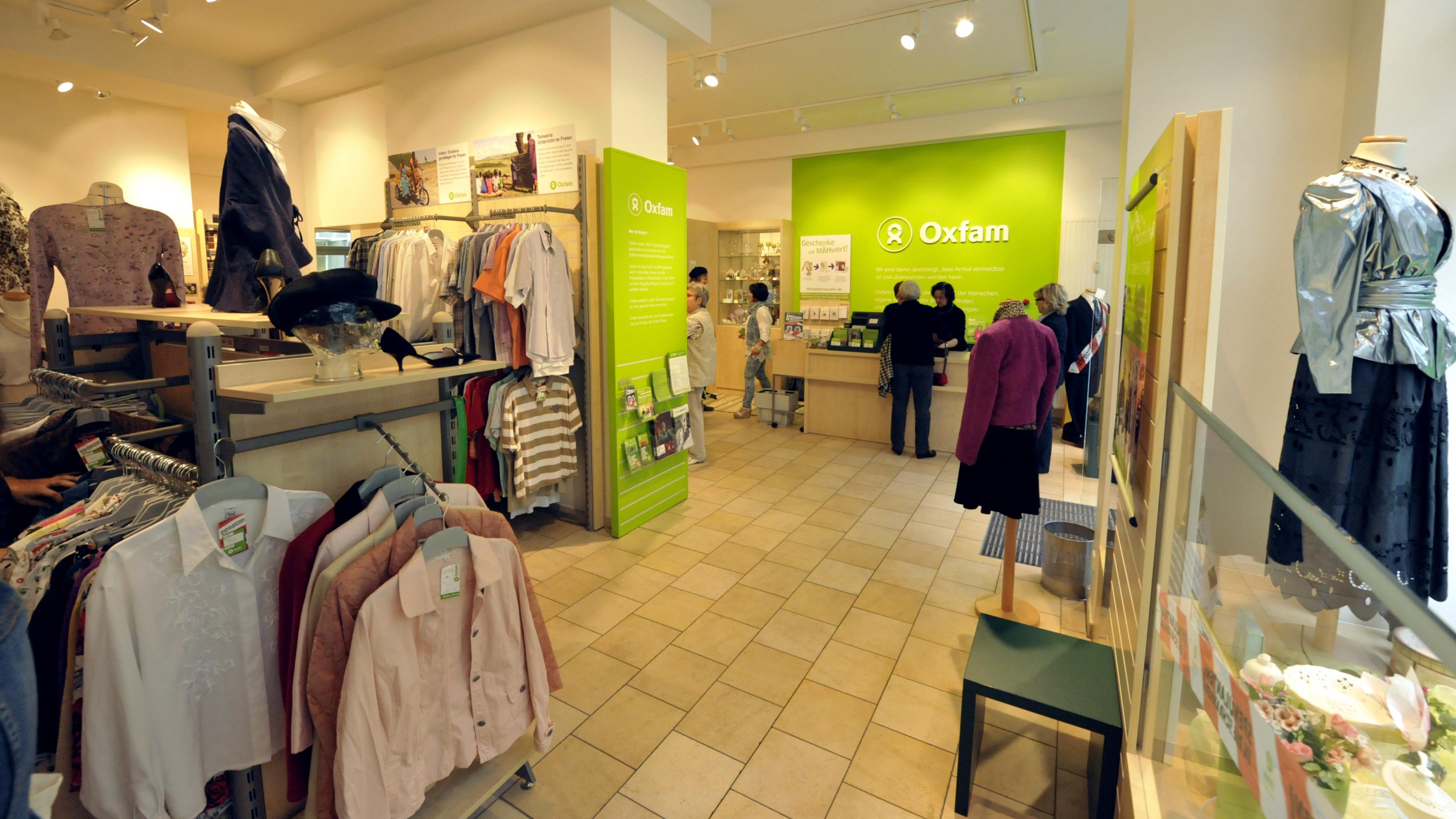 Oxfam Shop Regensburg - Fashion
