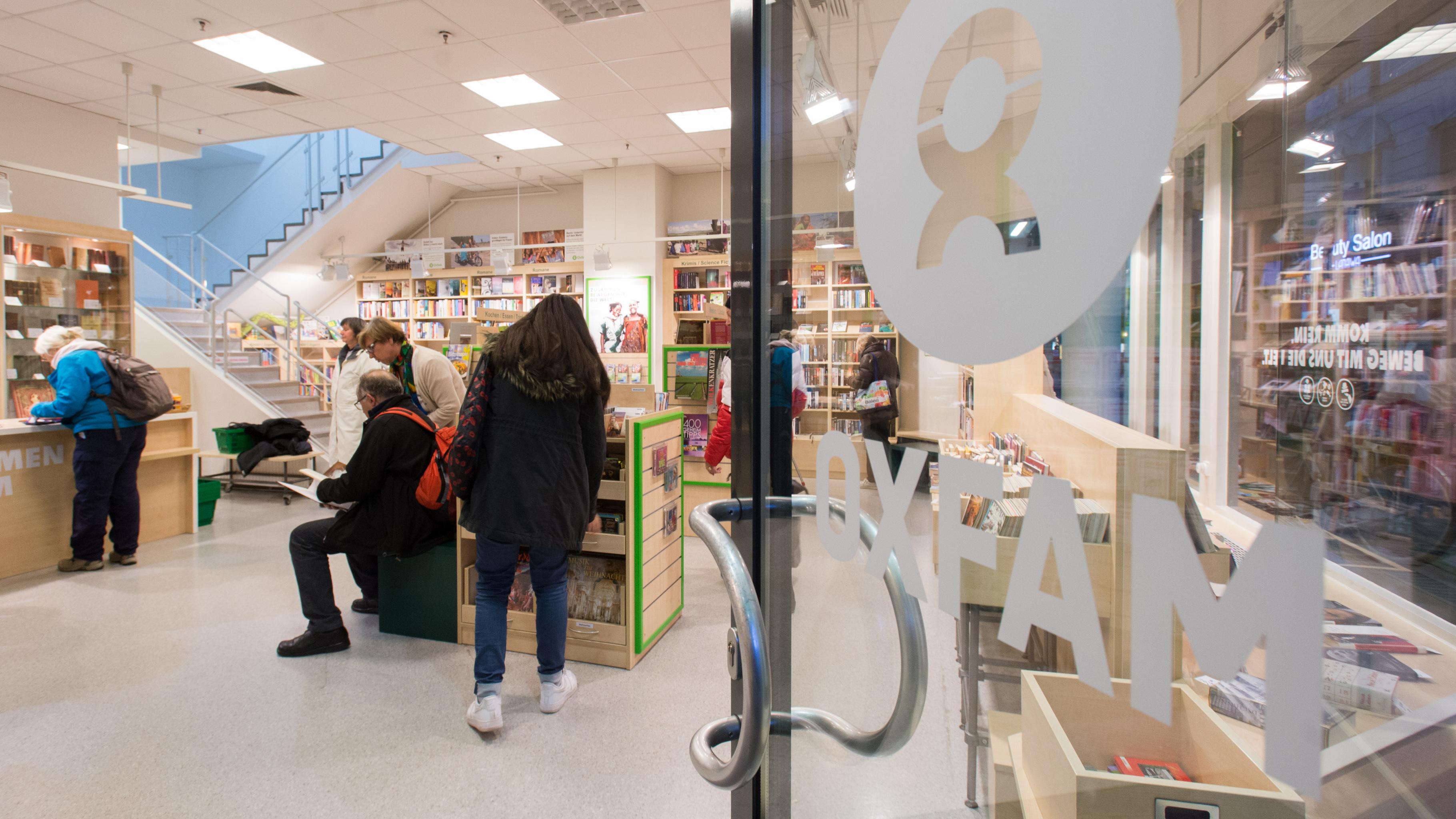 Oxfam Buchshop München - Blick in den Shop