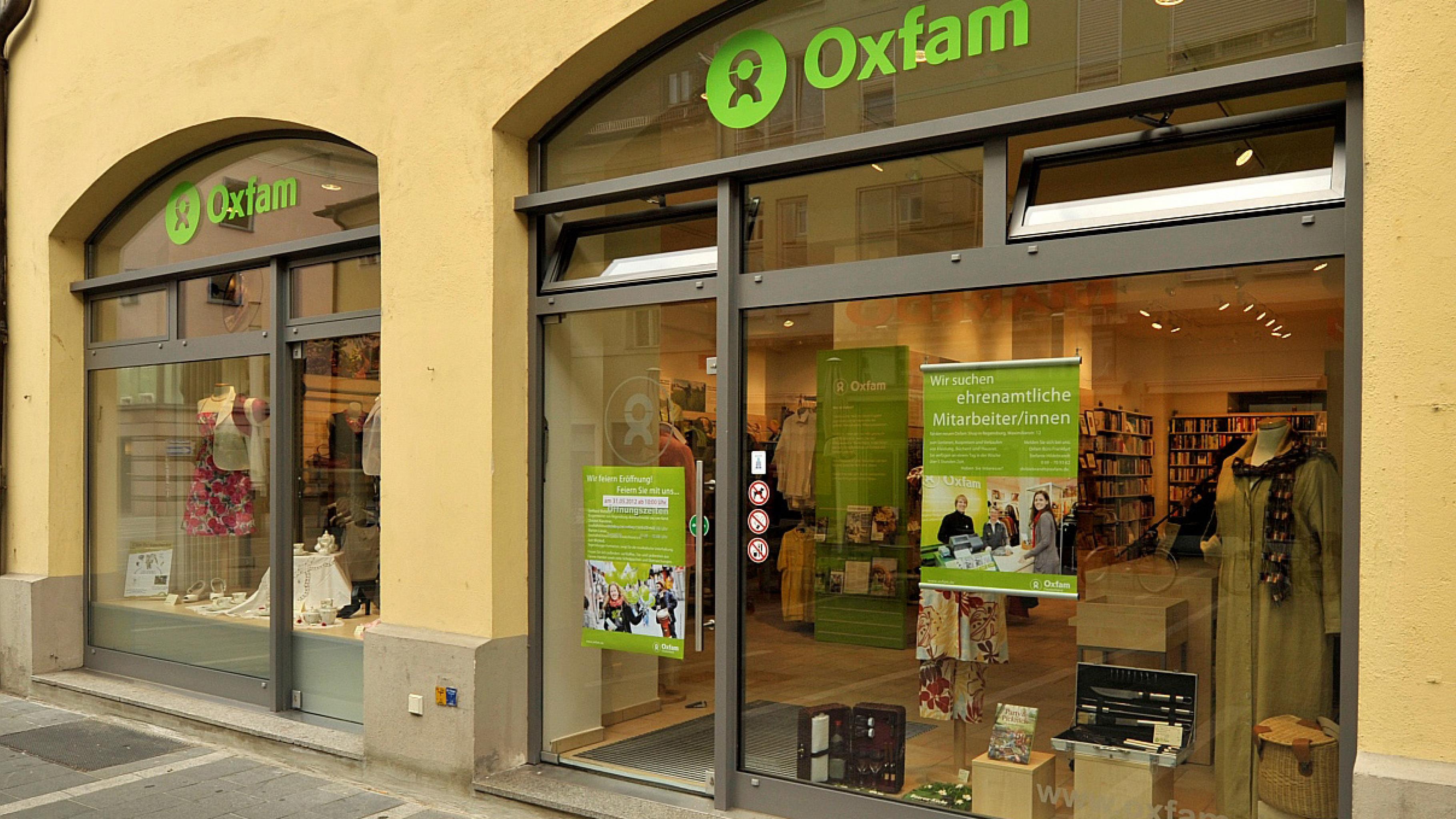 Oxfam Shop Regensburg - Außenansicht