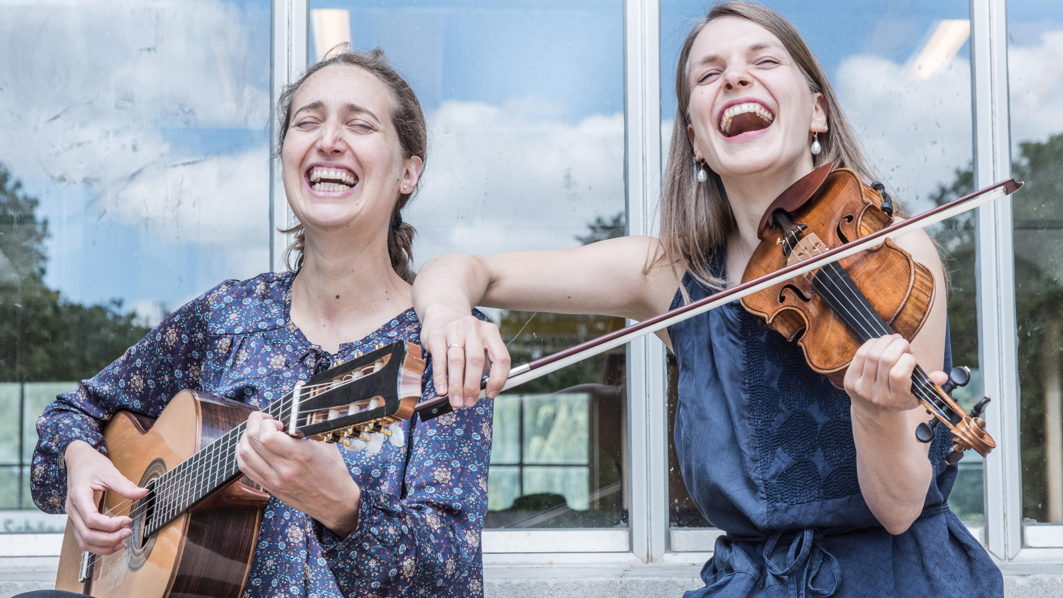 Duo Tambora: Aude Boucher und Johanna Bastian