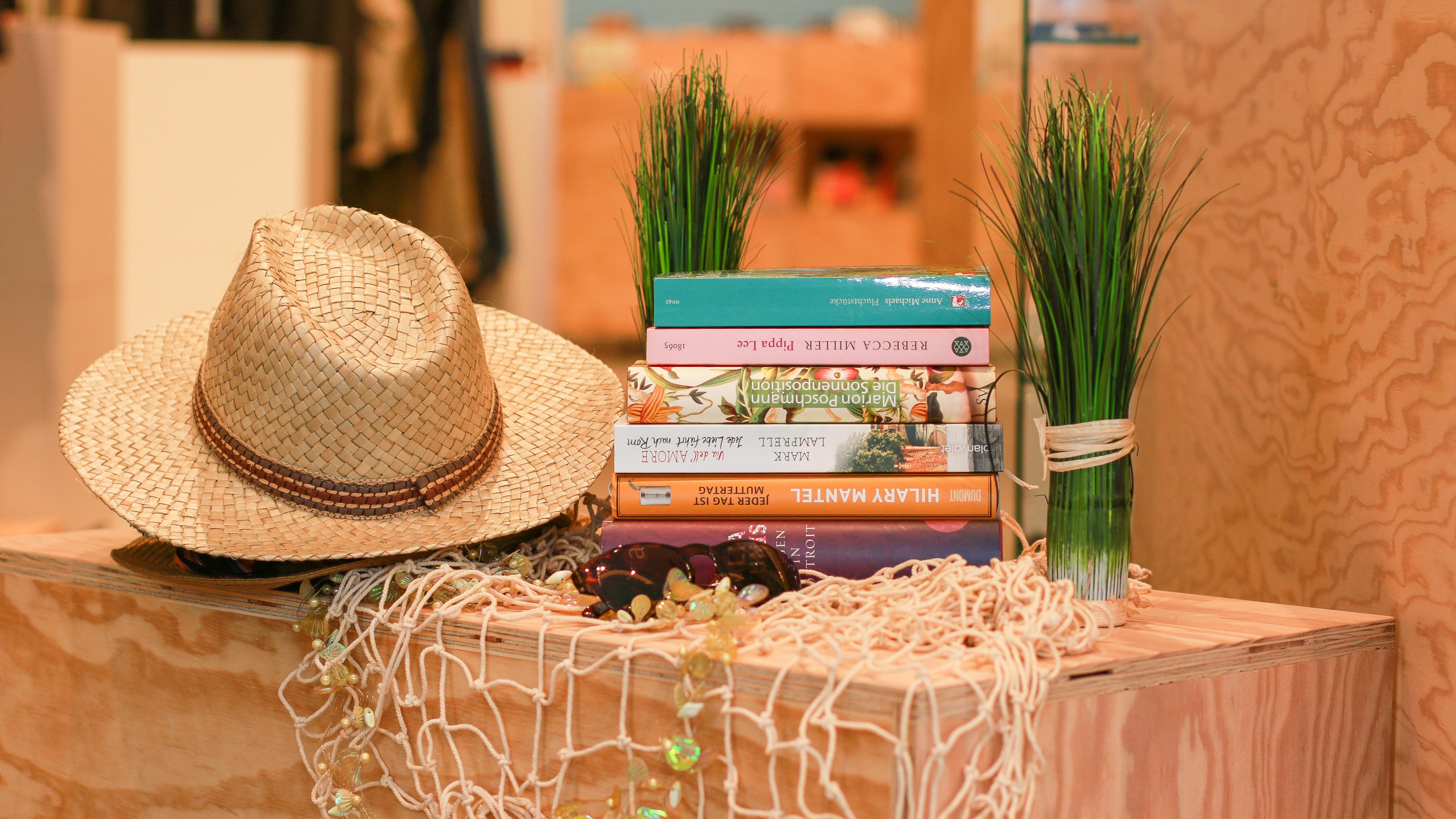 Bücher für den Urlaub und die Ferien im Oxfam Shop