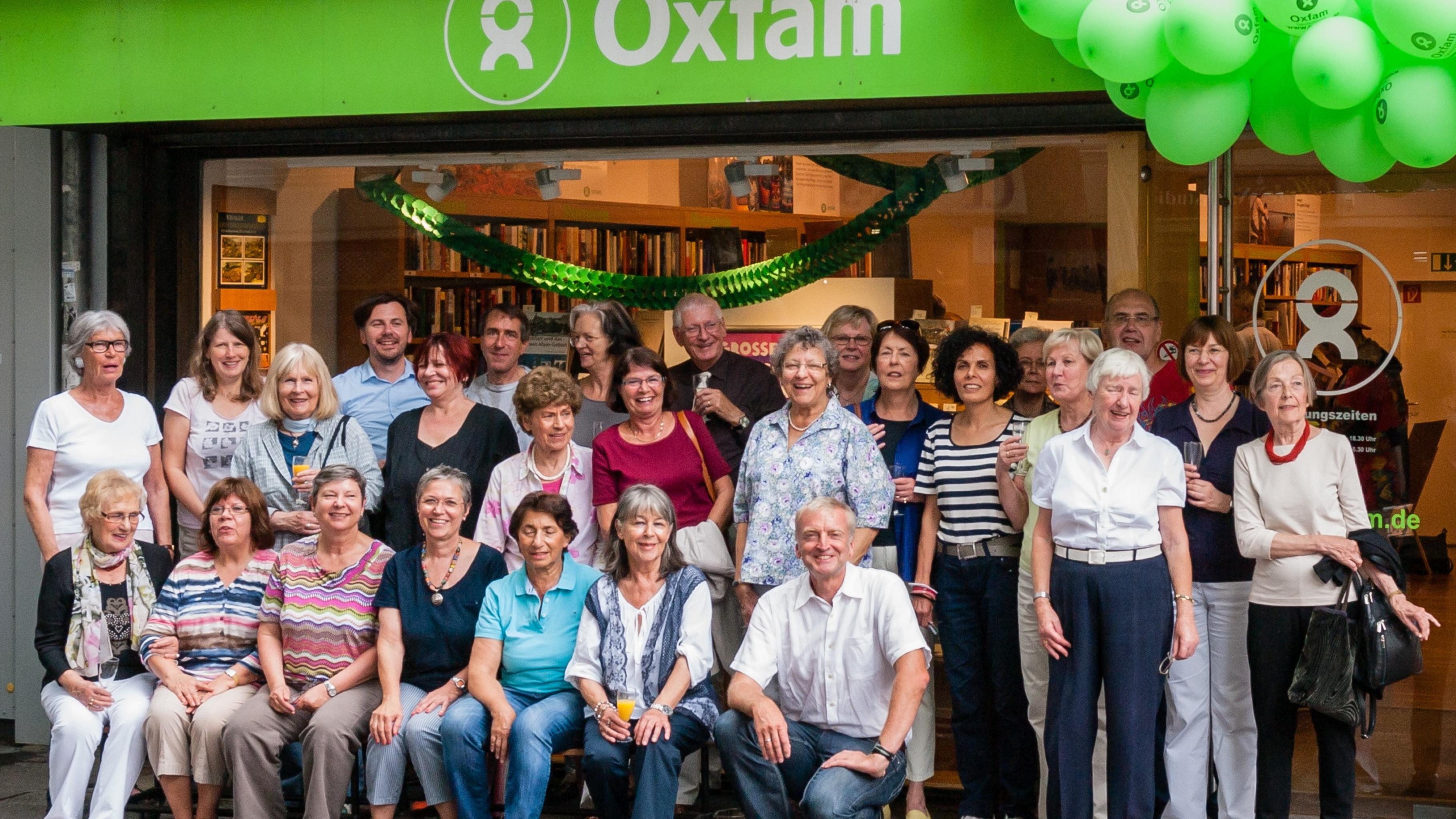 Oxfam Buchshop Frankfurt - Das Team bedankt sich für 15 Jahre Treue