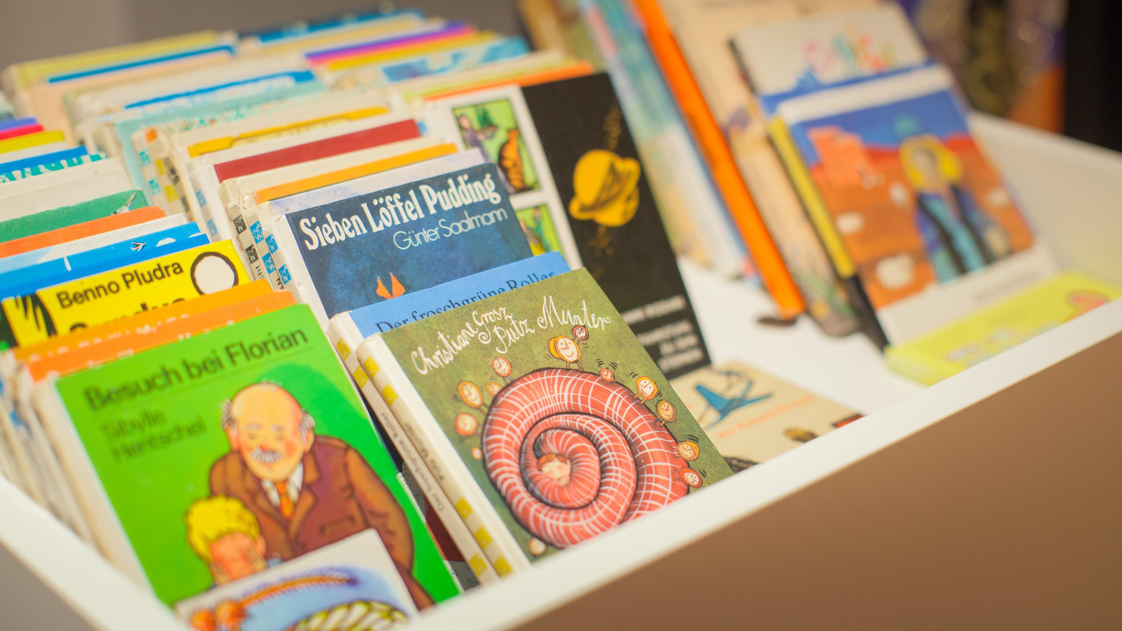 Vorlesetag im Oxfam Shop