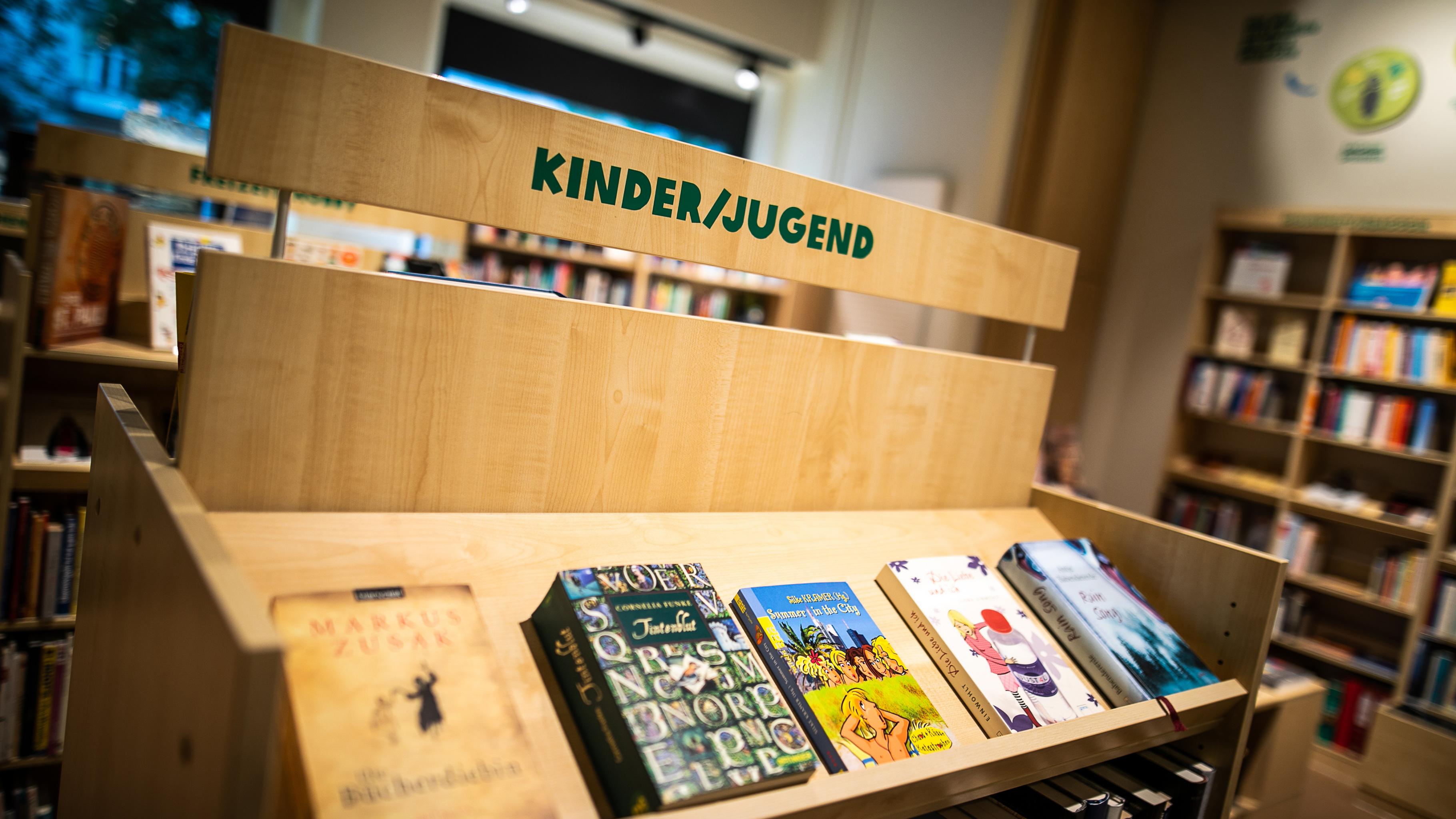 internationale Kinderbücher im Oxfam Shop