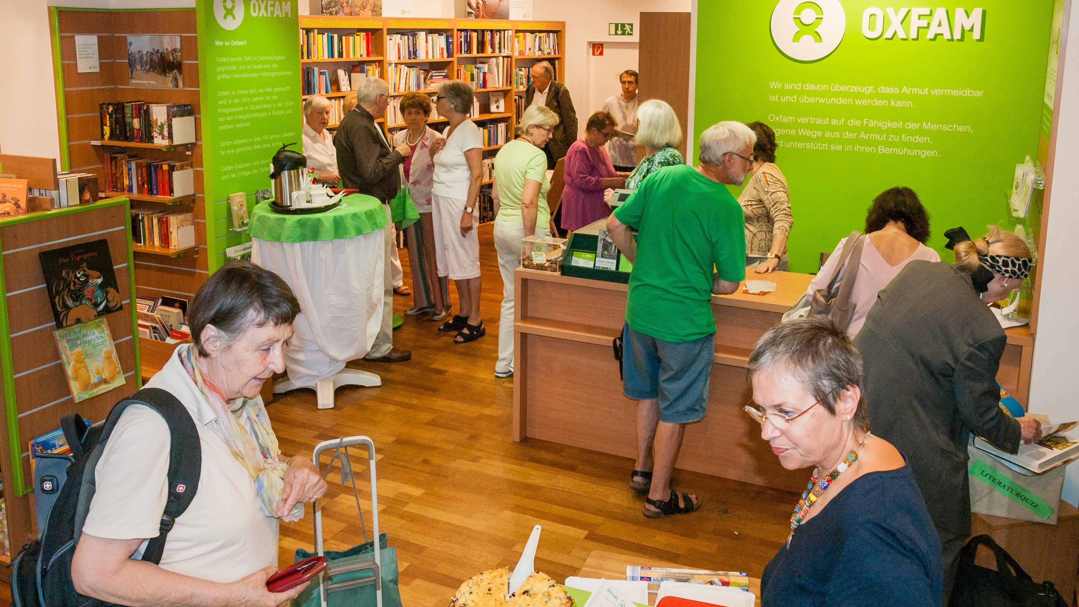 Oxfam Buchshop Frankfurt - Kunden
