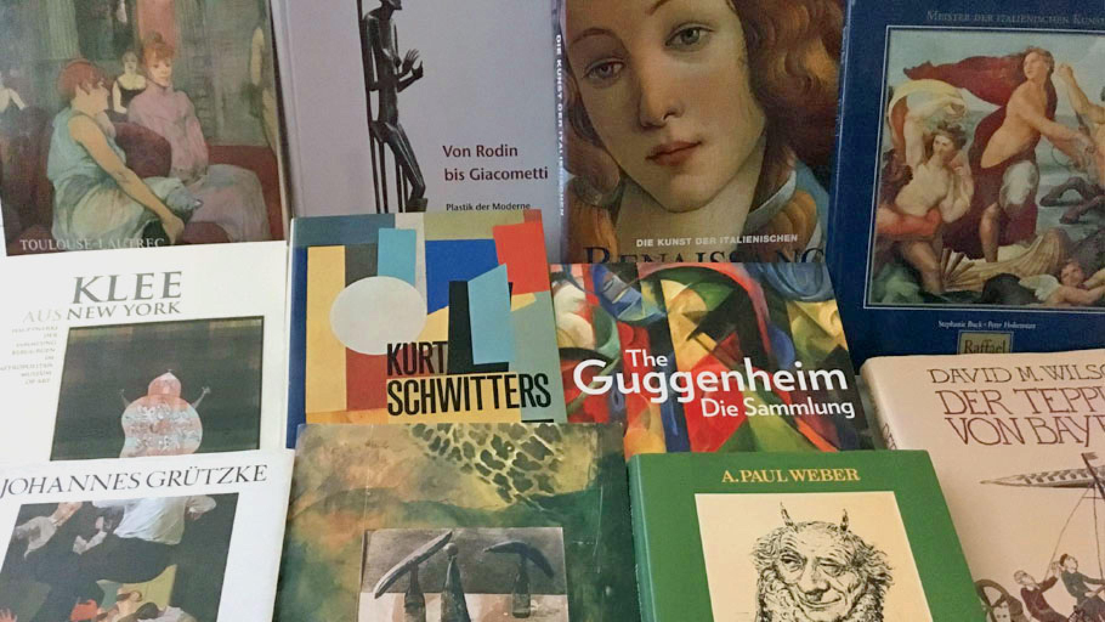 Kunstbände im Oxfam Shop