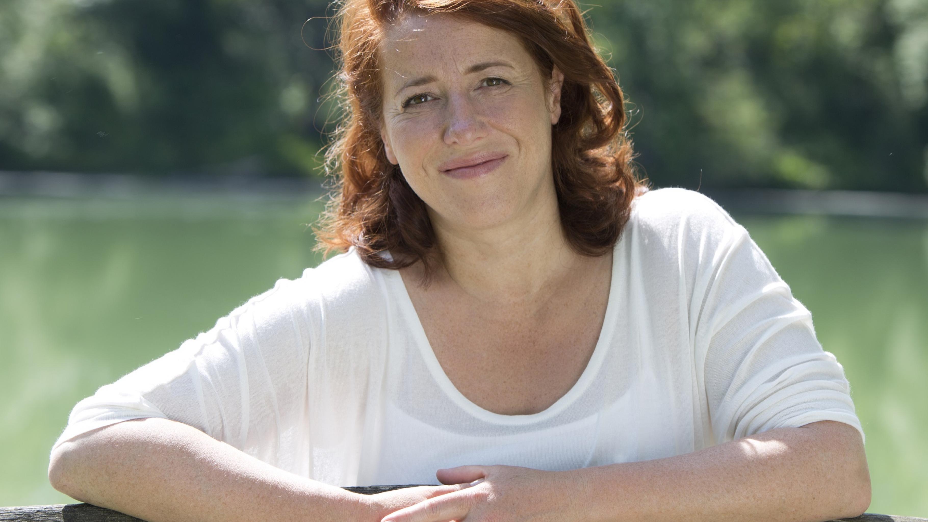 Kabarettistin und Oxfam Shop-Kundin Luise Kinseher
