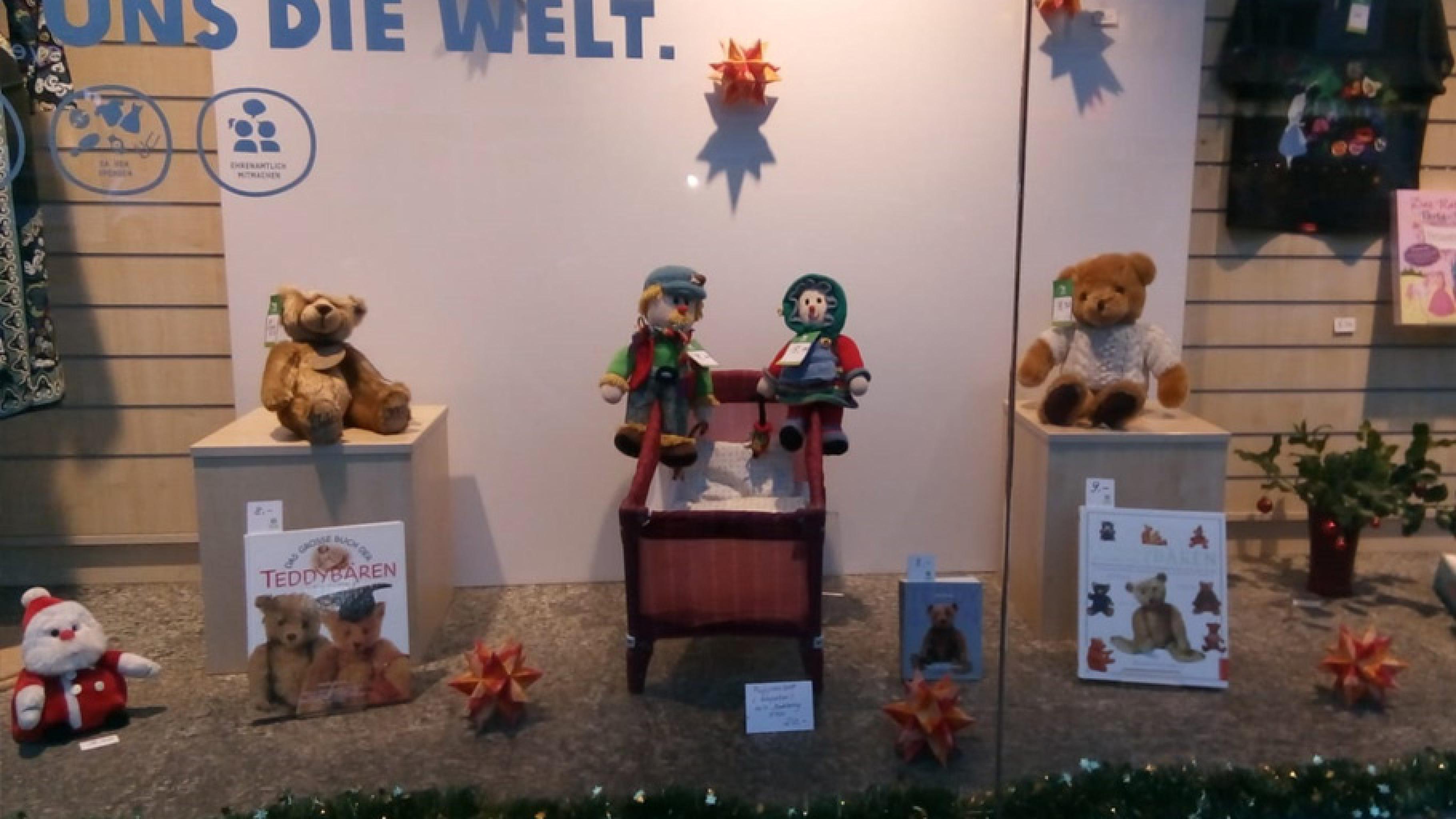 Oxfam Shop Berlin-Schöneberg: Schaufensterverkauf am 12. Dezember 2018 Weihnachtssachen