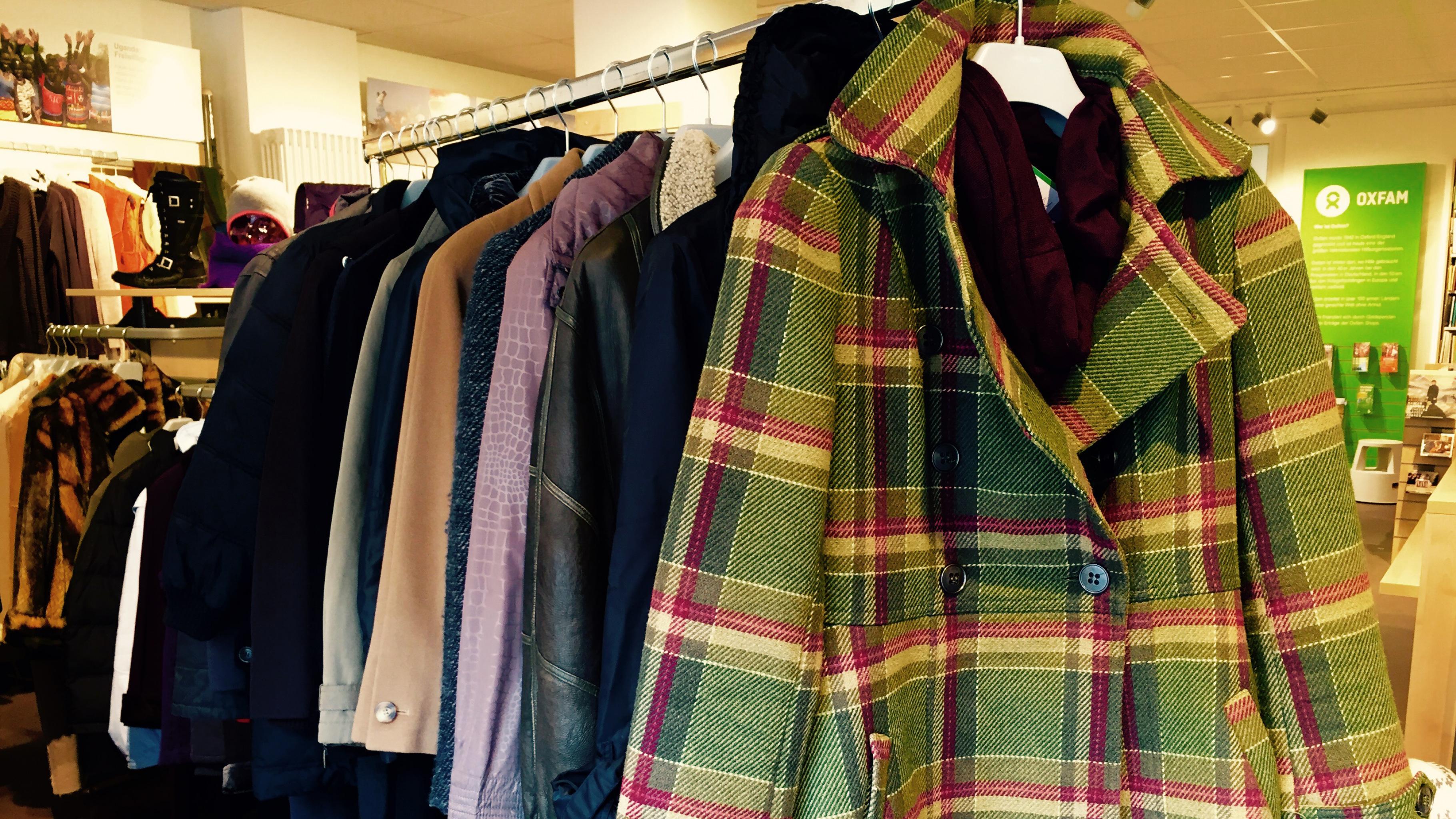 Jacken und Mäntel für den Winter im Oxfam Shop