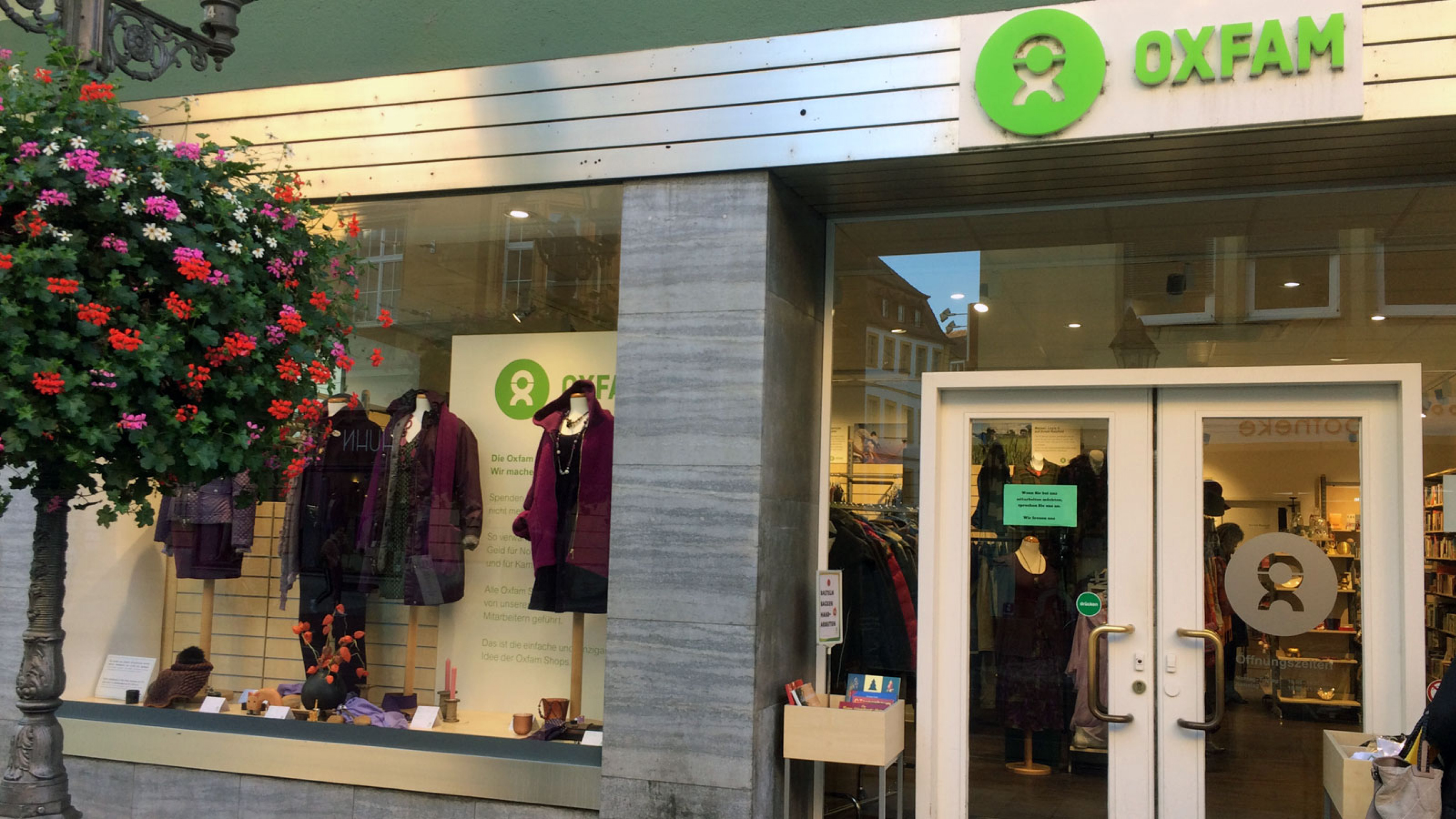 Oxfam Shop Würzburg Außenansicht