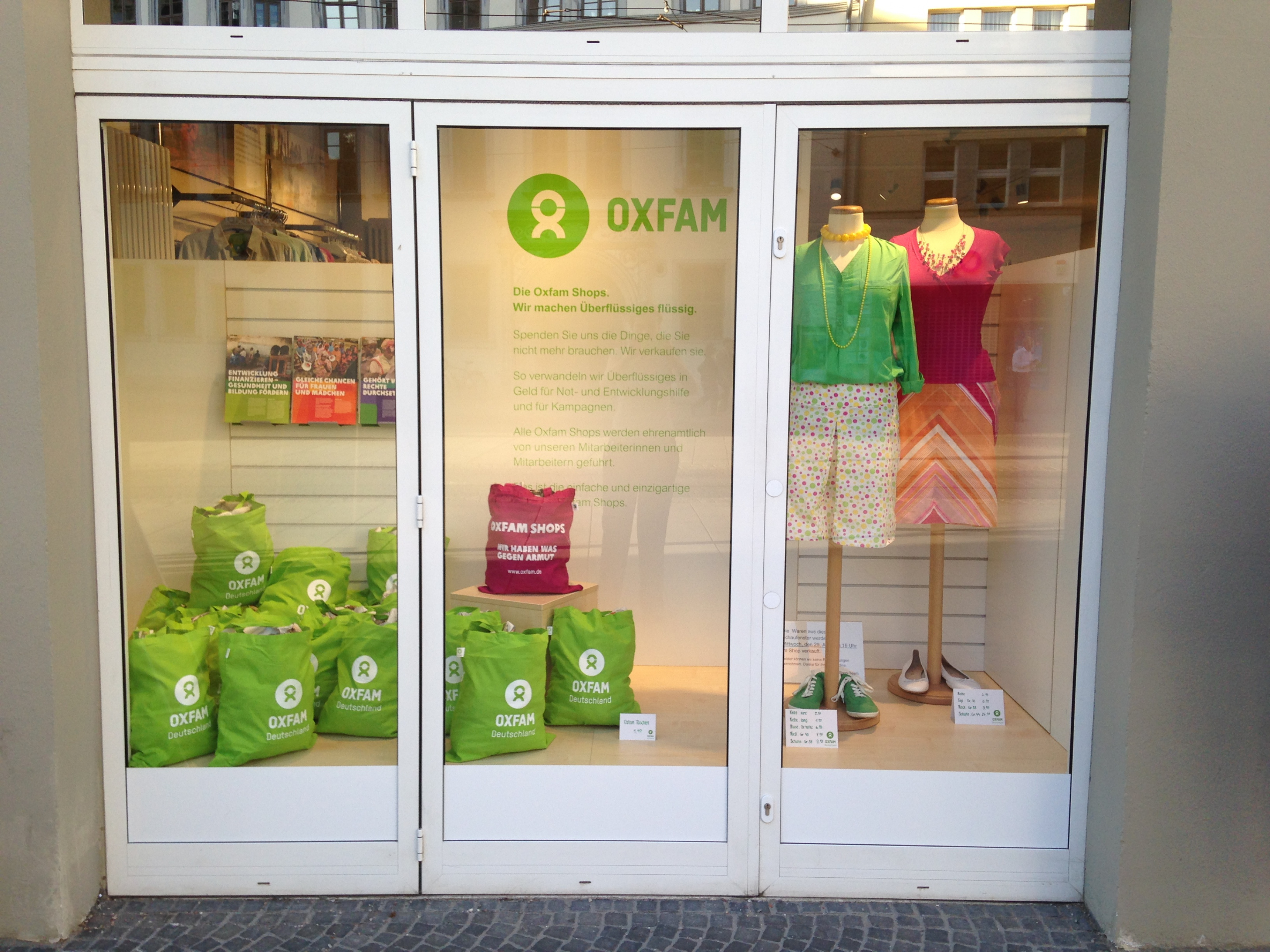Oxfam Shop Erfurt - Schaufenster