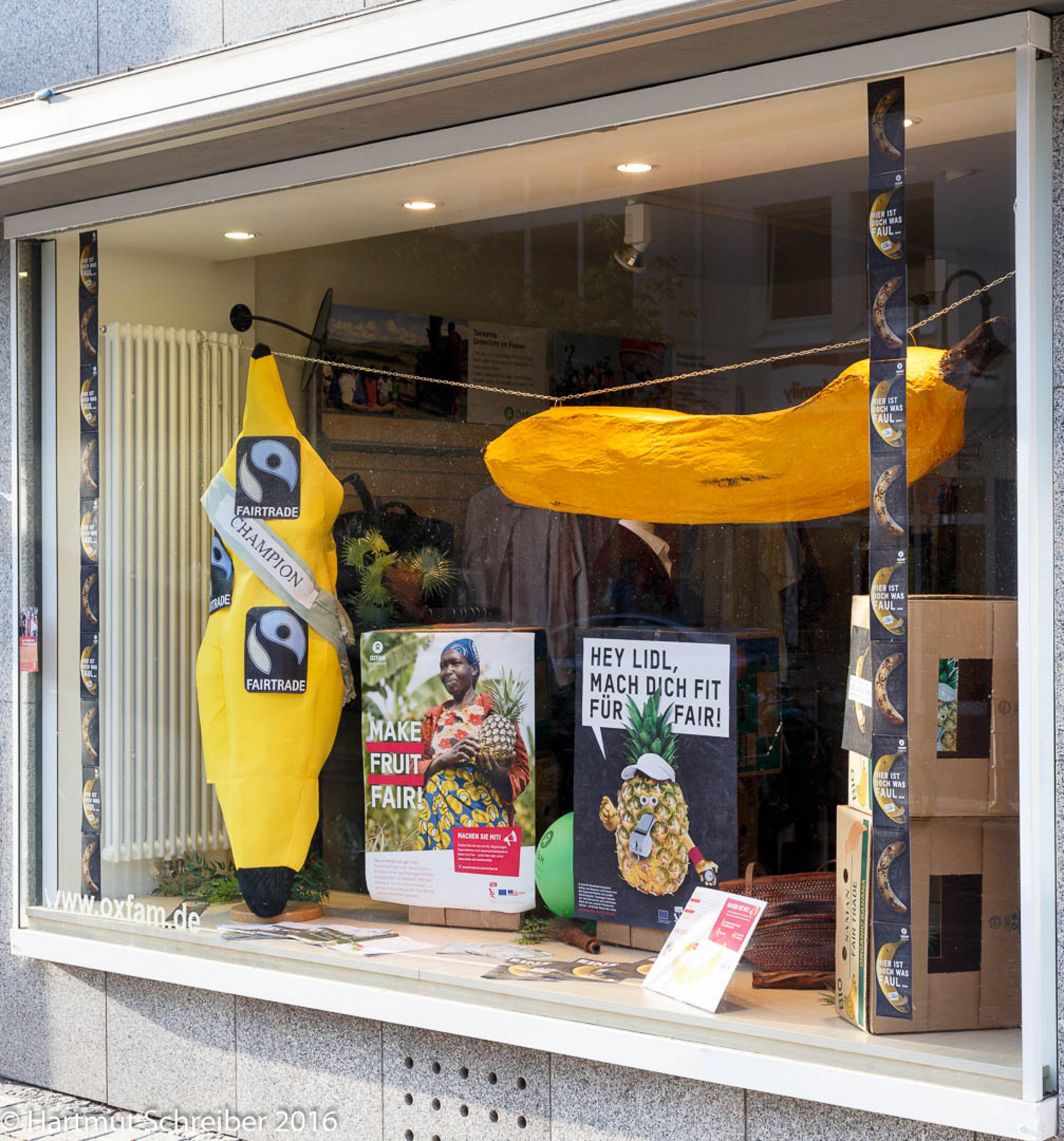 Kampagnen-Aktionstag 2016 im Oxfam Shop Frankfurt-Bockenheim