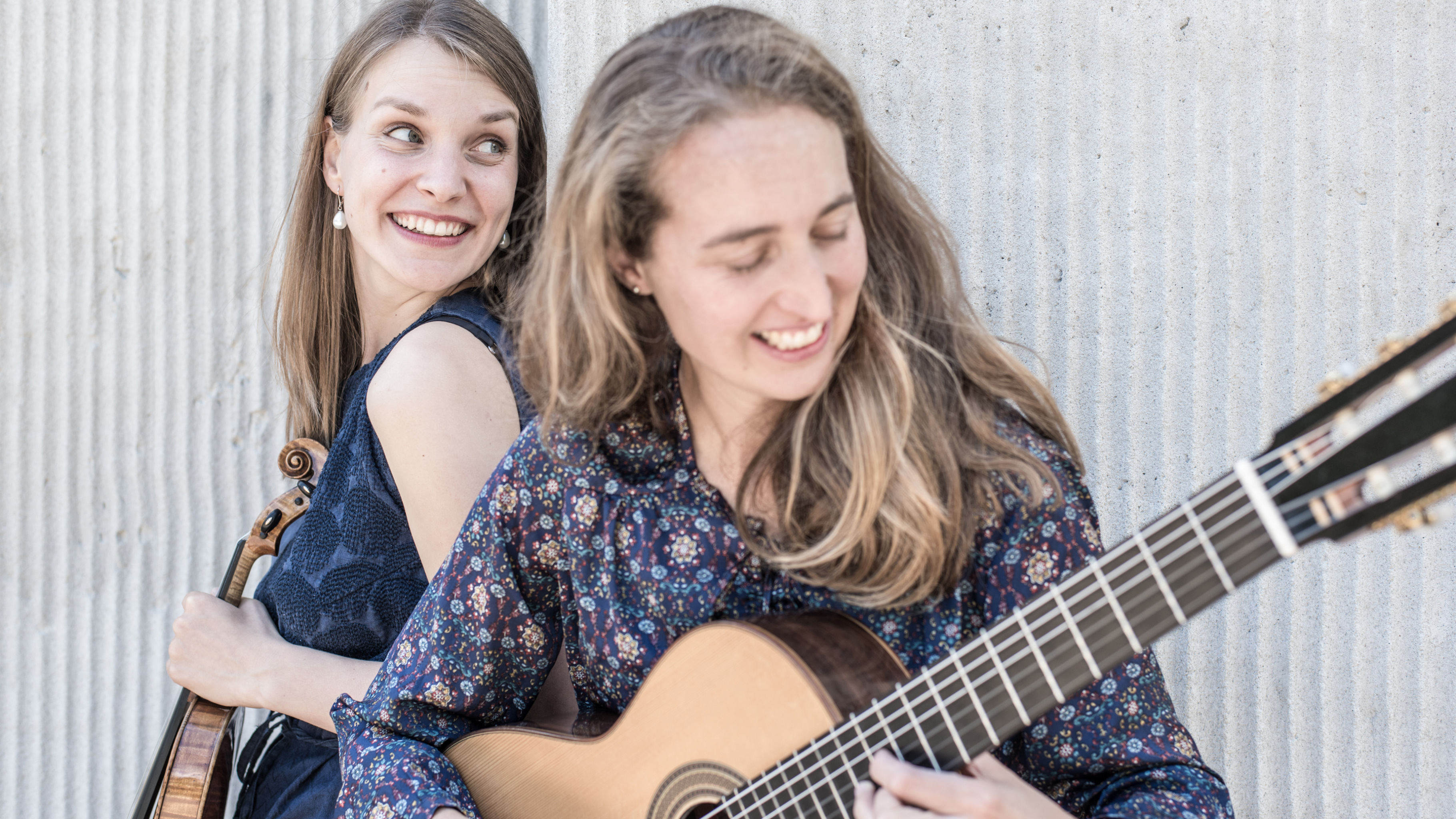 Duo Tambora: Johanna Bastian (Violine) und Aude Boucher (Gitarre)