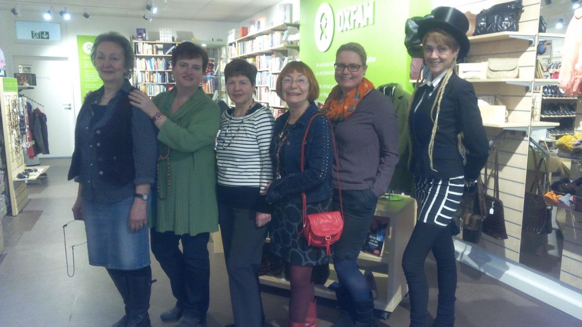 Ehrenamtliche Mitarbeiterinnen im Erfurter Oxfam Shop