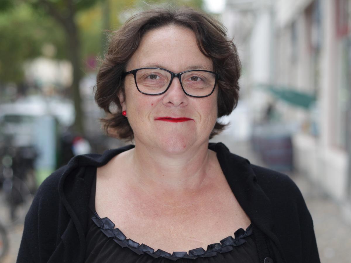 Ehrenamtliche Jutta Blacher aus dem Oxfam Shop Berlin-Kreuzberg