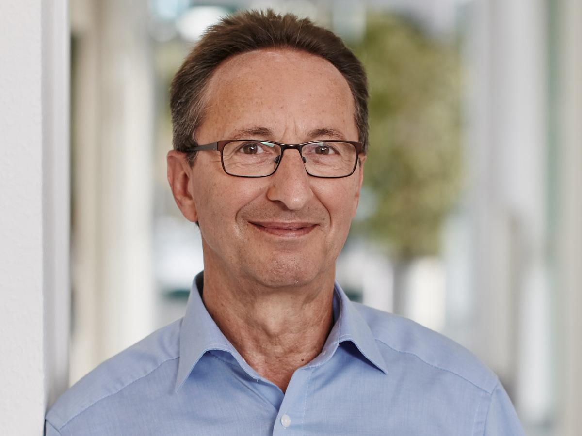 Ehrenamtlicher Leo Bläser aus dem Oxfam Shop Aachen