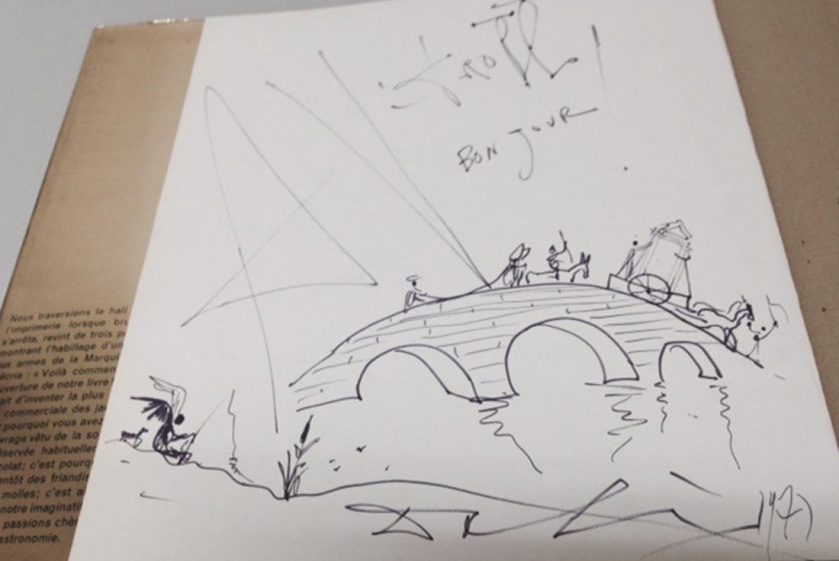 Ein handsigniertes Buch von Salvador Dali wurde einem Oxfam Shop gespendet.