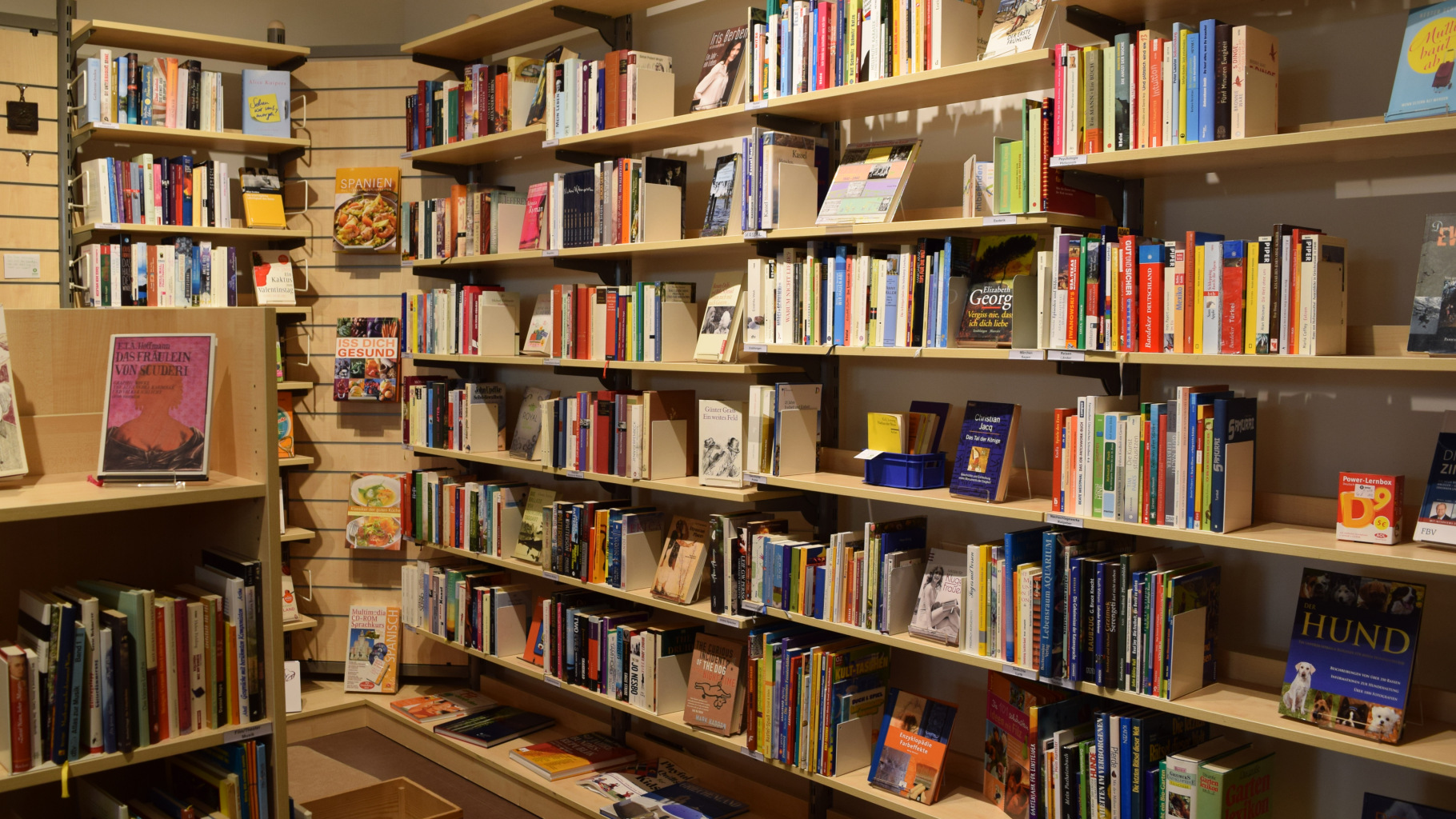 Bücher im Oxfam Shop Kassel