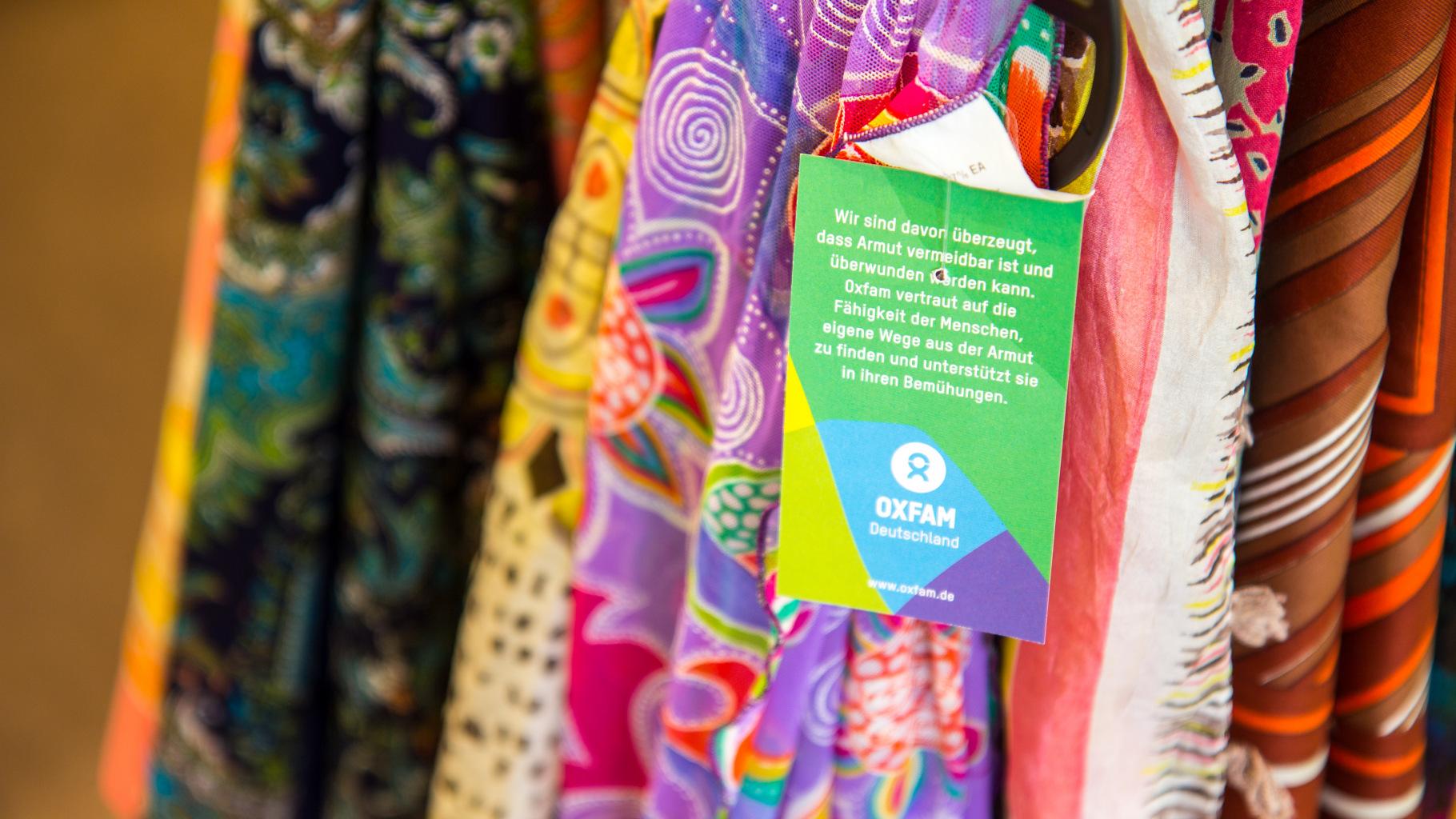 Oxfam Shop - Accessoires und Kleidung