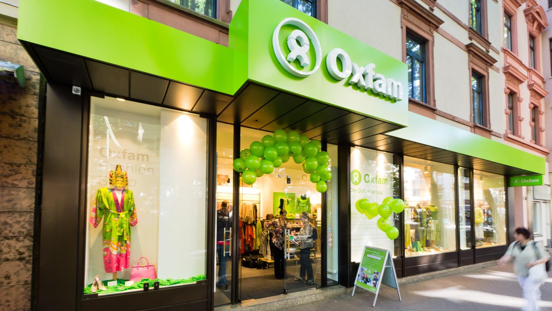 Der Oxfam Fashionshop in Frankfurt-Sachsenhausen von außen.
