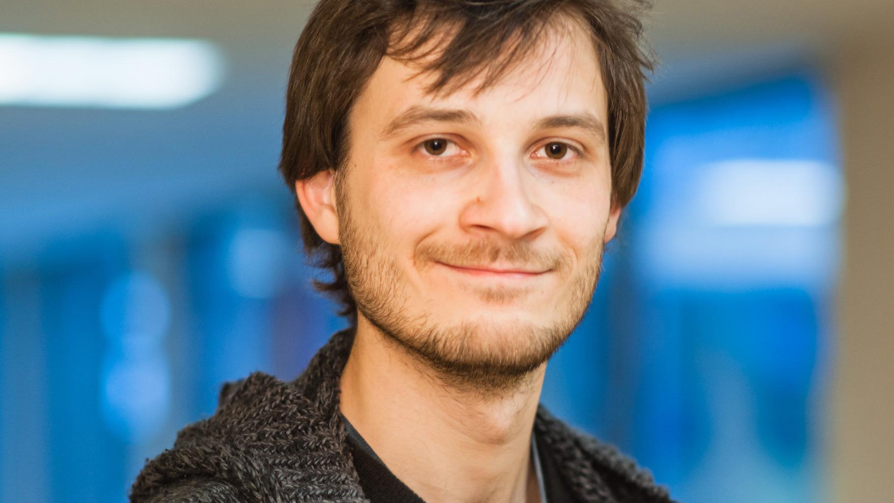 der Ehrenamtliche Marcus Herzberg aus dem Oxfam Shop Berlin-Spandau