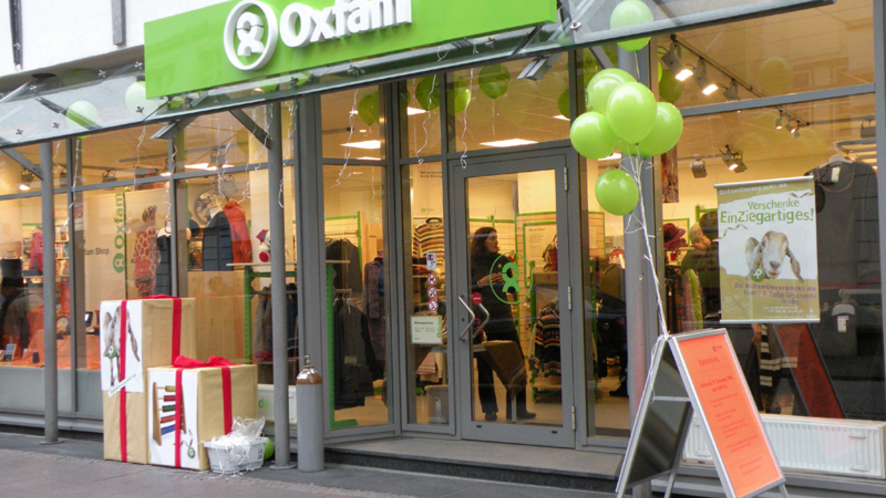 Oxfam Shop Lübeck - Außenansicht