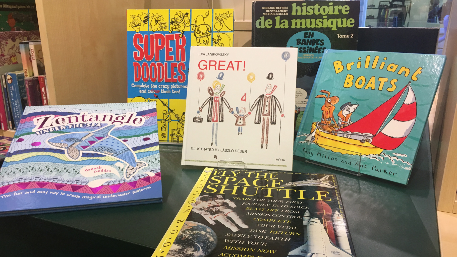 Kinderbücher in verschiedenen Sprachen gibt es im Oxfam Shop.