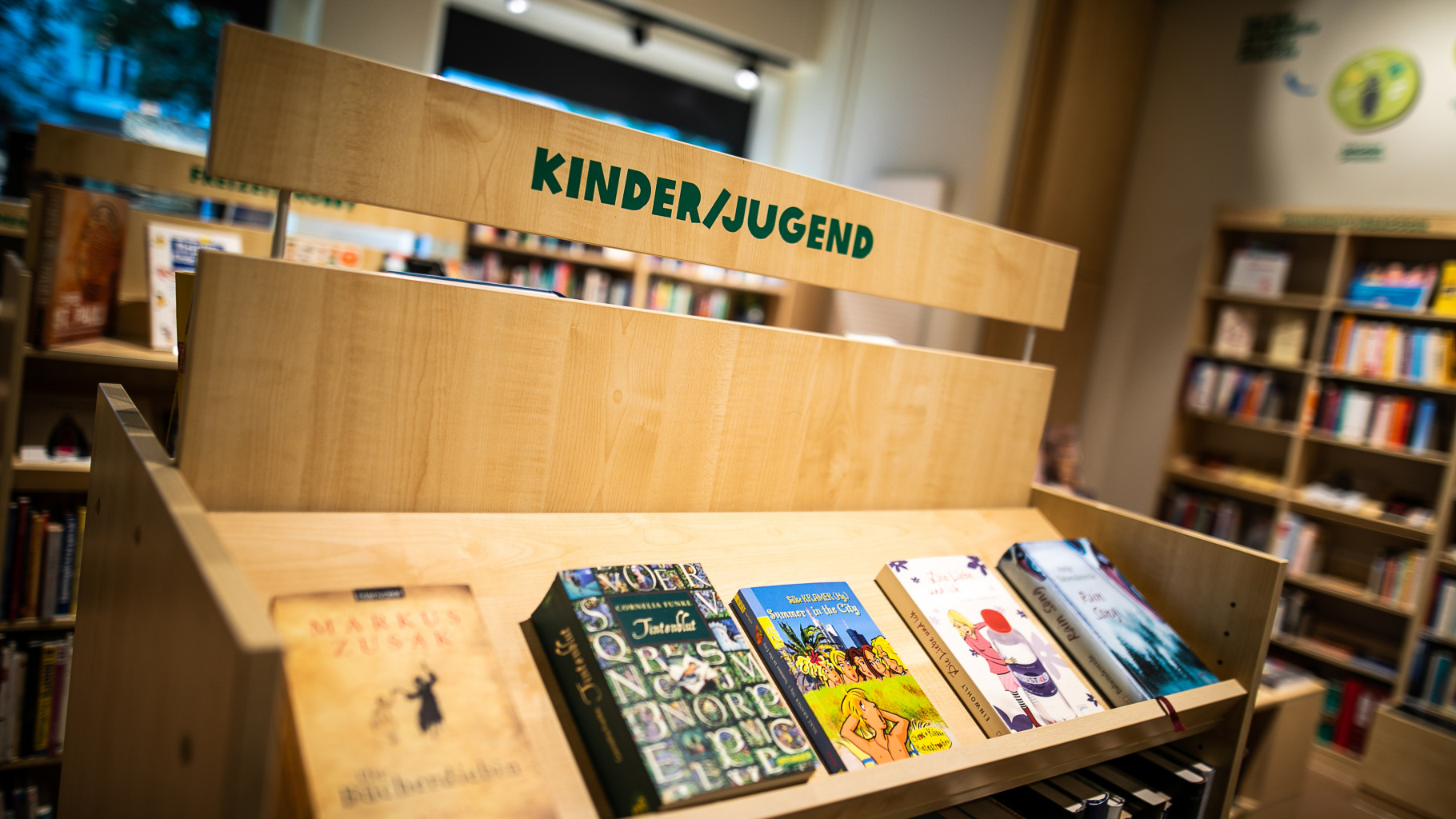 internationale Kinderbücher im Oxfam Shop