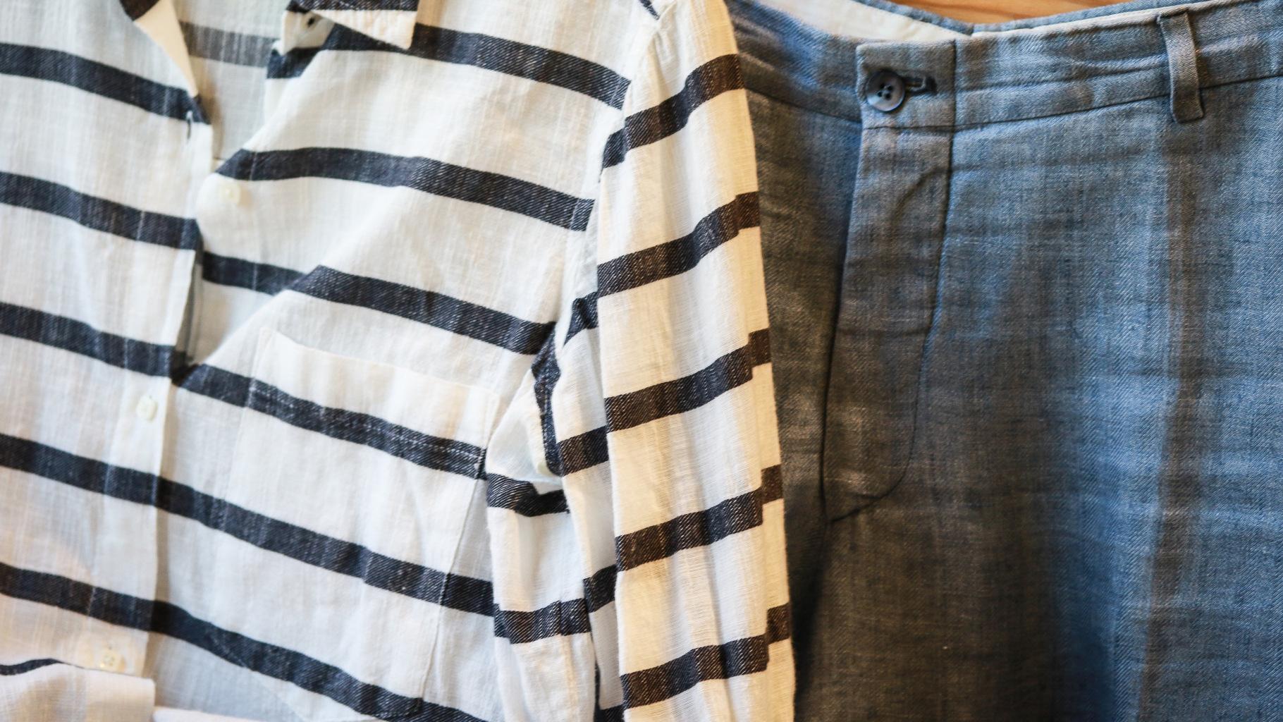 Leinen-Kleidung im Oxfam Shop