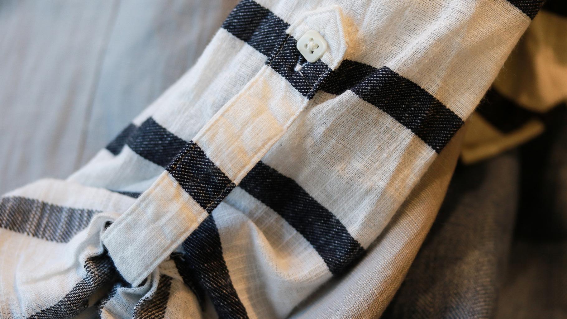 Maritime Kleidung können Sie im Oxfam Shop kaufen.