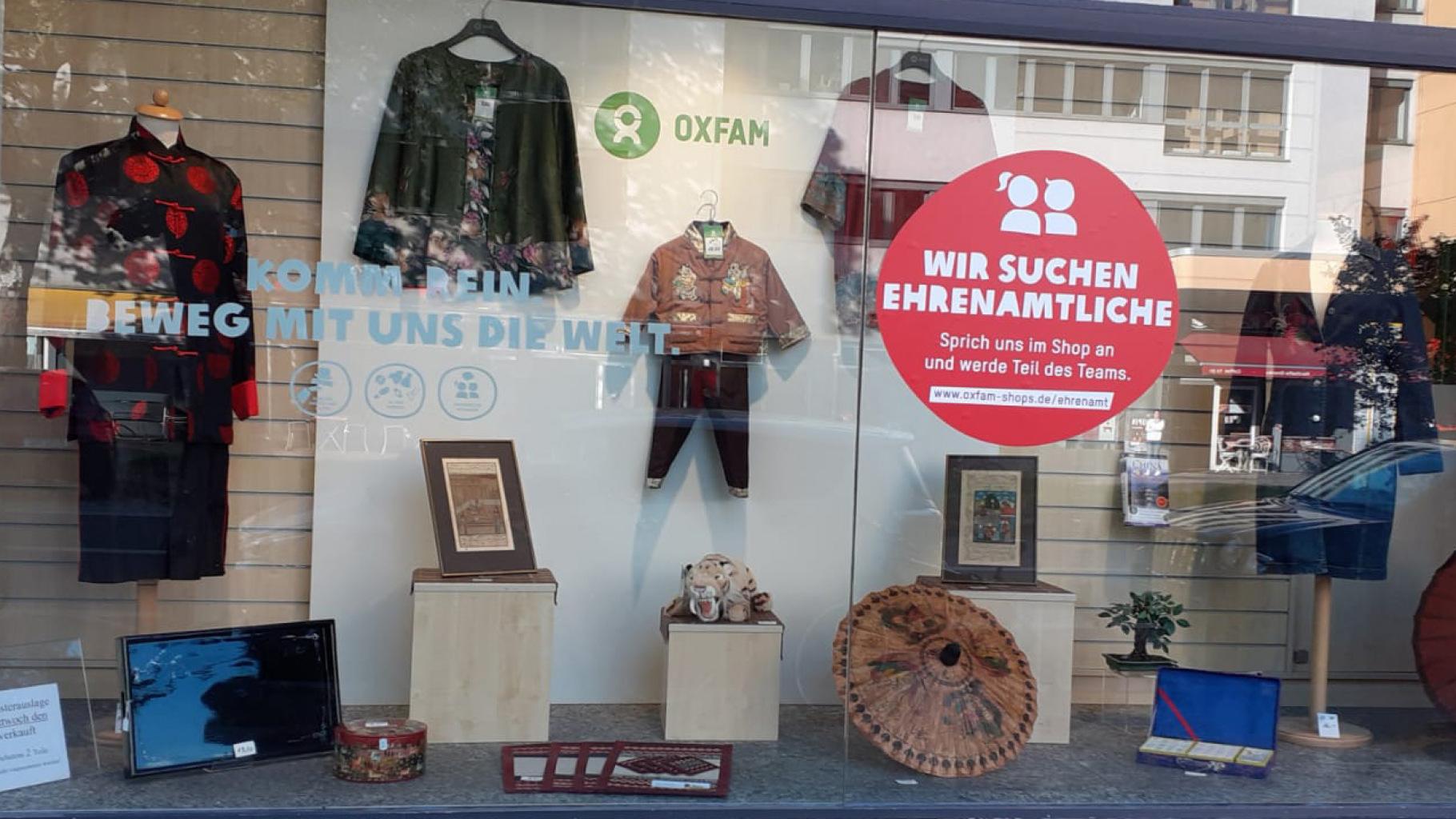 Schaufenster vom Oxfam Shop Berlin-Schöneberg