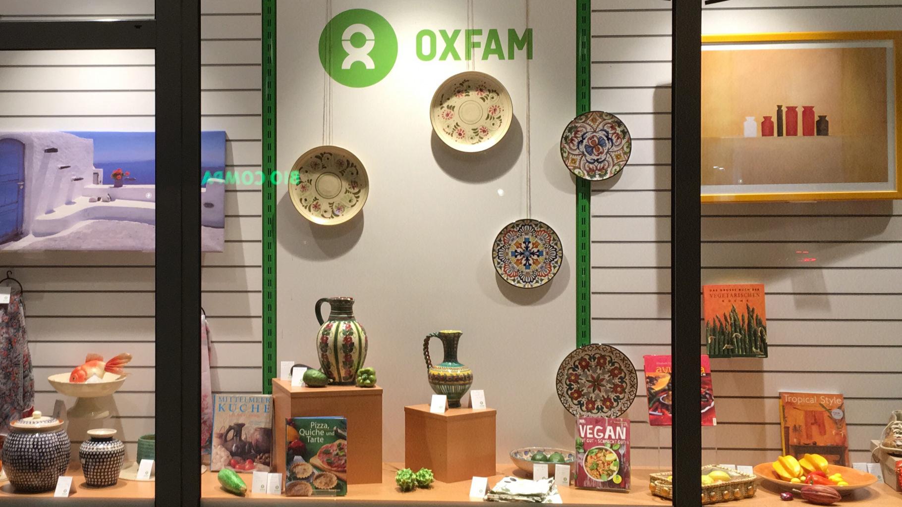 Keramik-Schaufenster Oxfam Shop Hamburg-Hoheluft