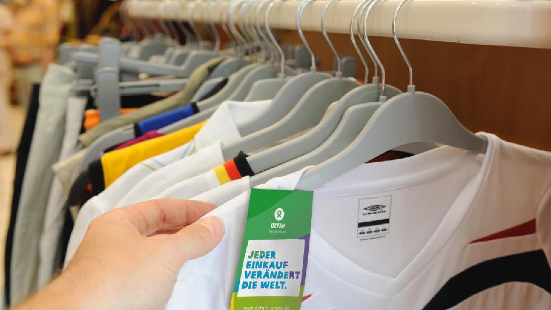 Günstige Sportsachen können Sie im Oxfam Shop kaufen.