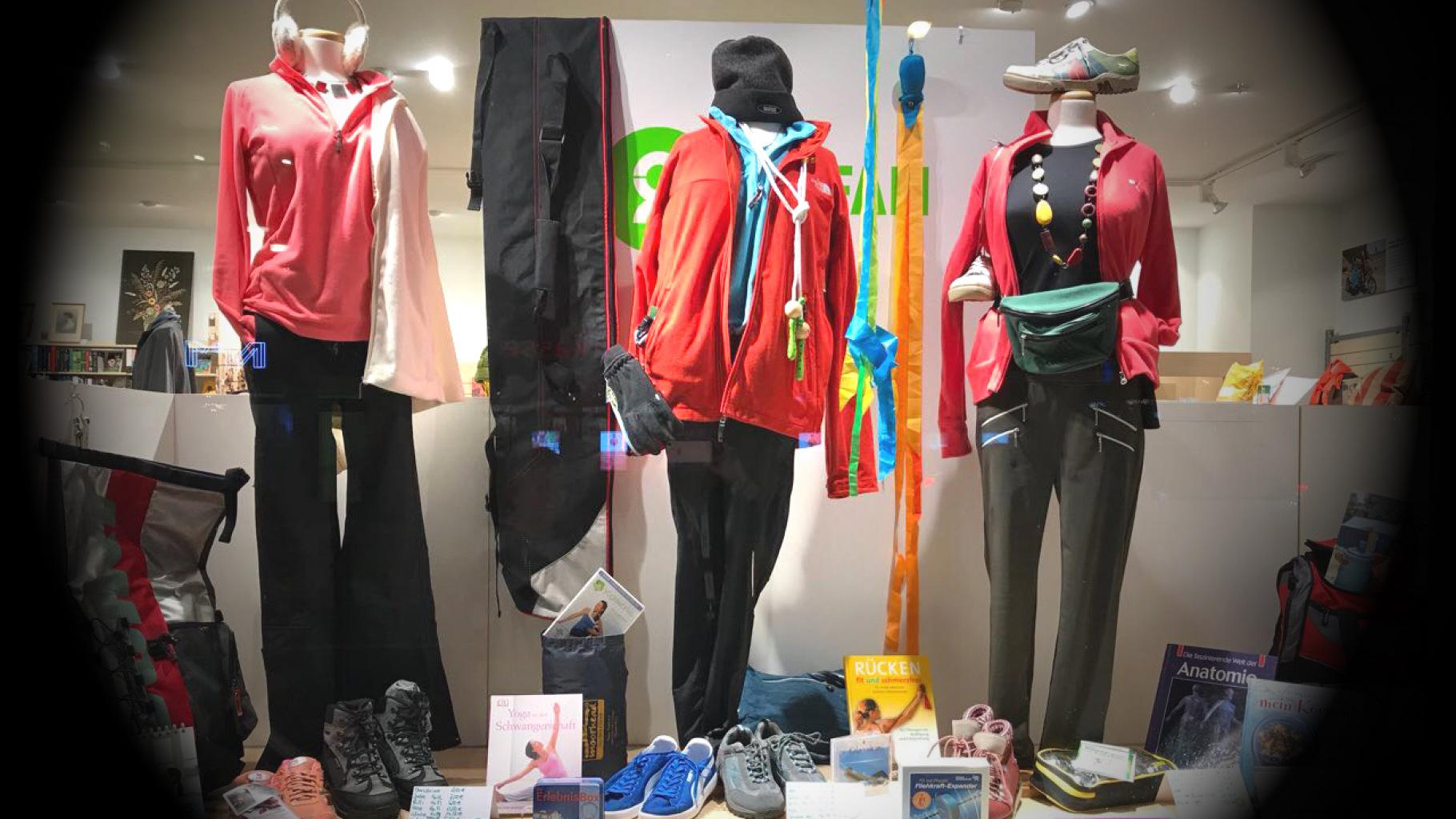 Sportsachen gibt es im Oxfam Shop