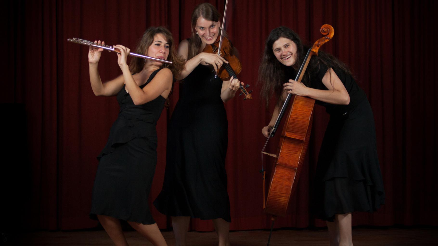 Das Trio InCanto: Leliko Gokieli, Johanna Bastian und Emilia Lomakova (v.l.)