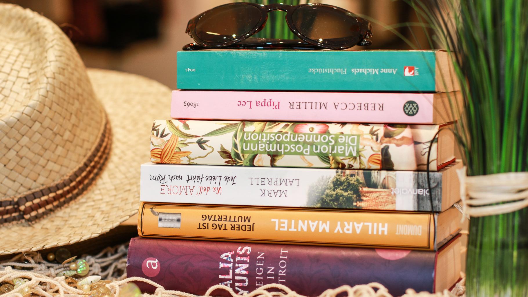 Bücher für den Urlaub können Sie im Oxfam Shop kaufen.