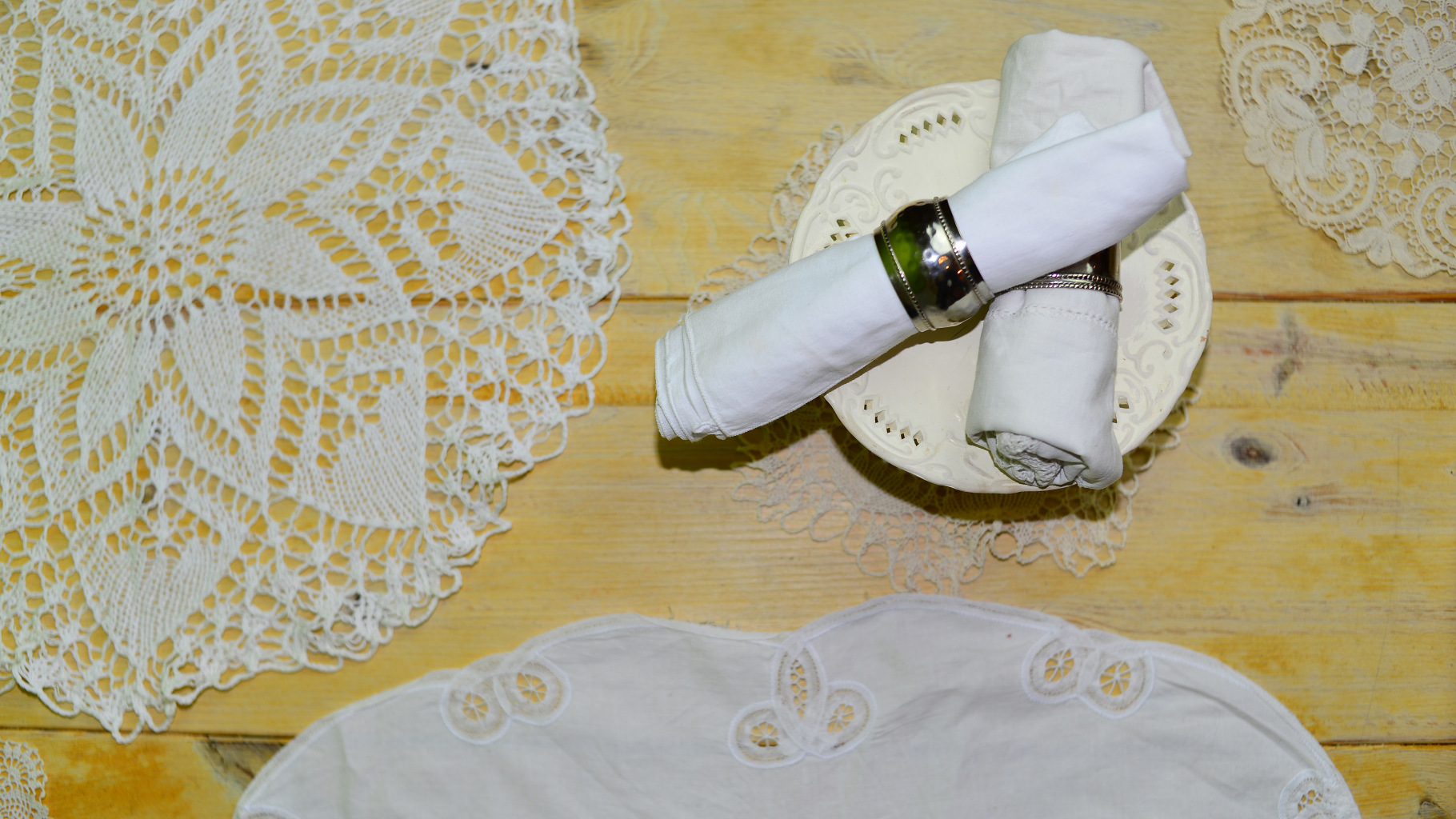Tischdecken und Servietten gibt's im Oxfam Shop