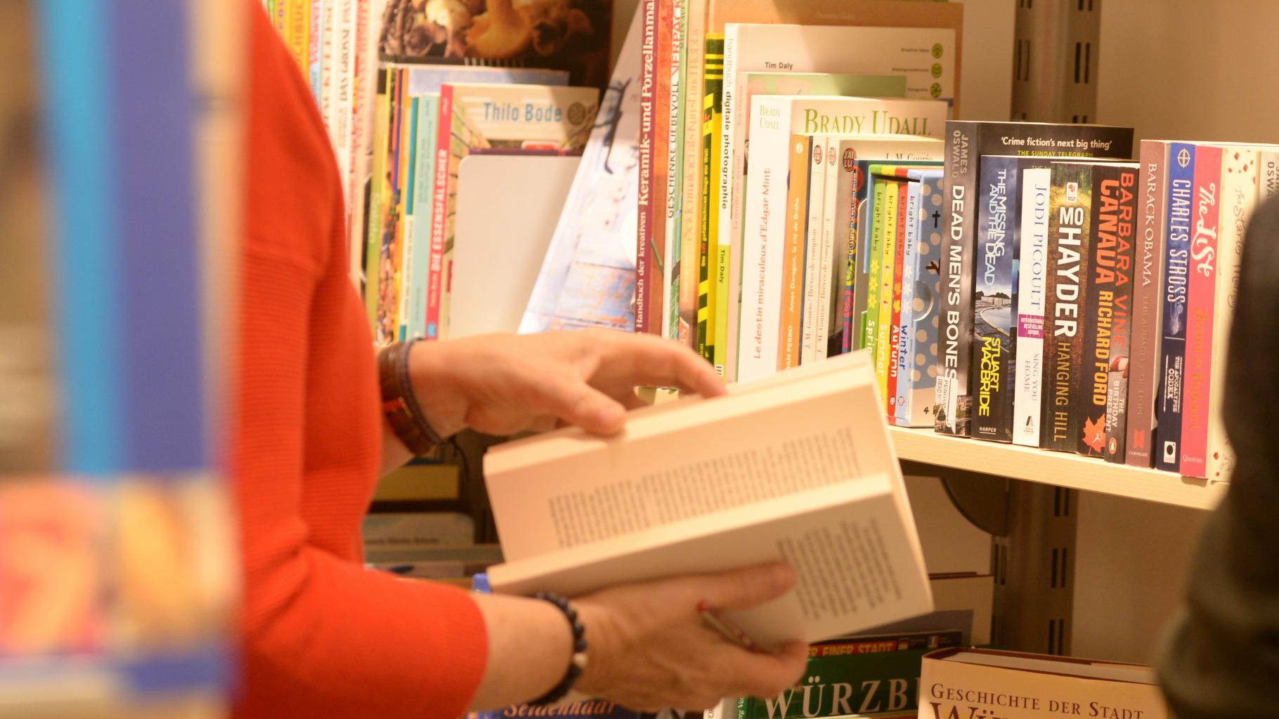 Gebrauchte Bücher bekommen Sie günstig im Oxfam Shop.