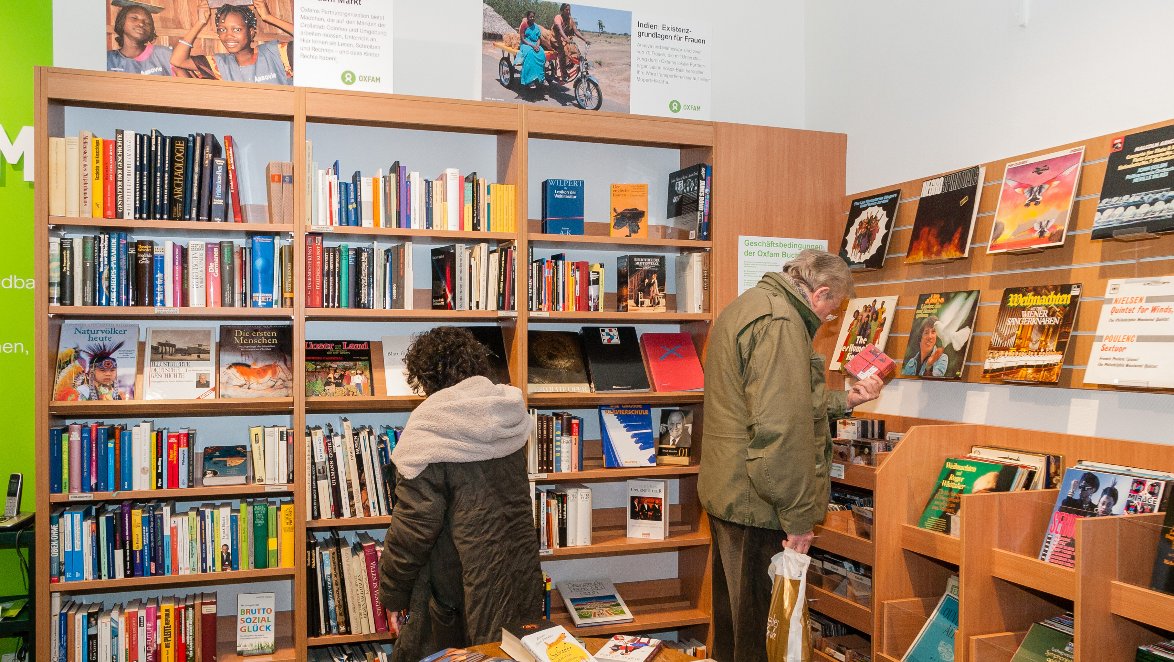 Oxfam Shop Darmstadt - Buchshop Innenansicht