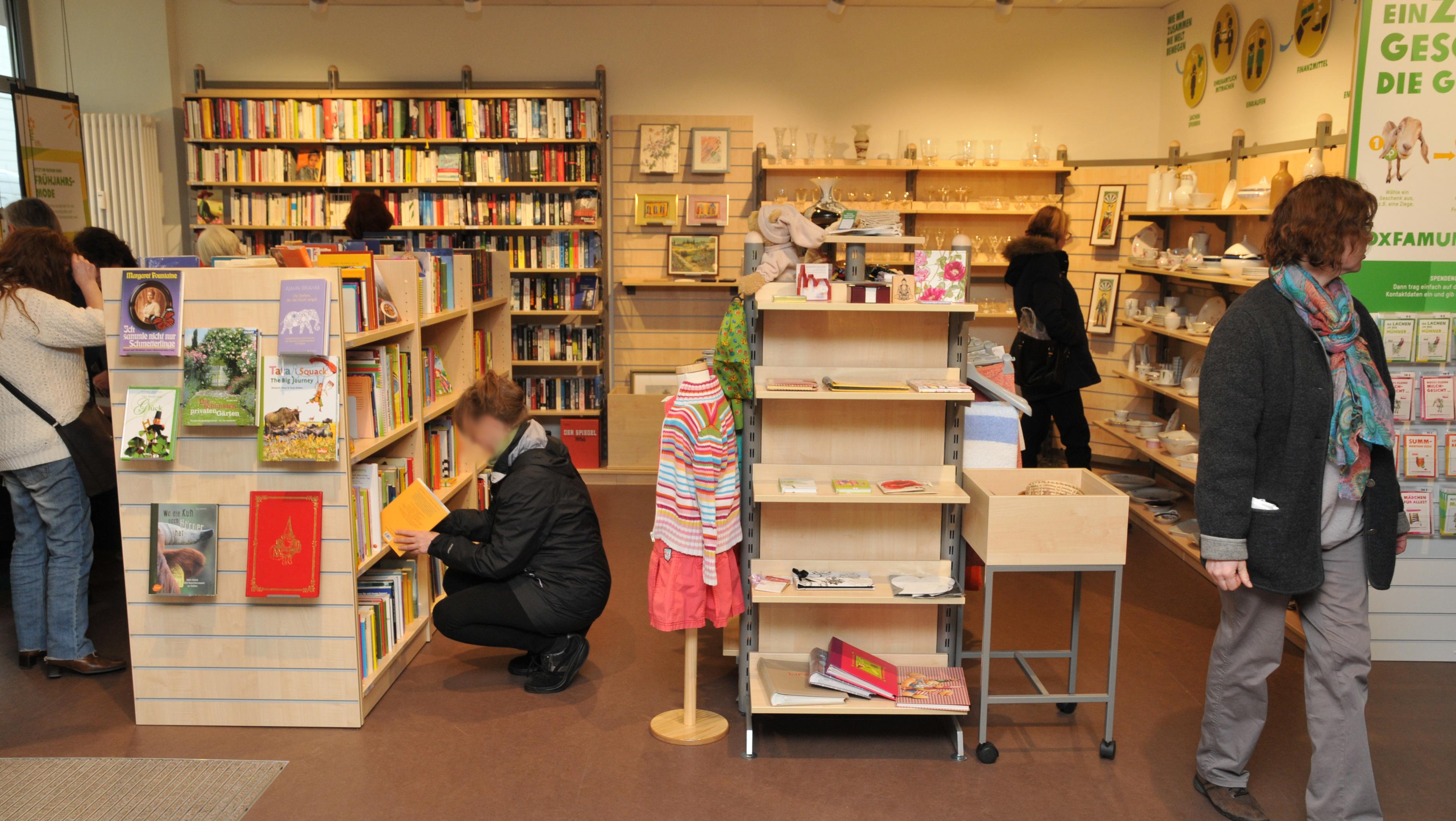 Oxfam Shop Aachen - Innenansicht