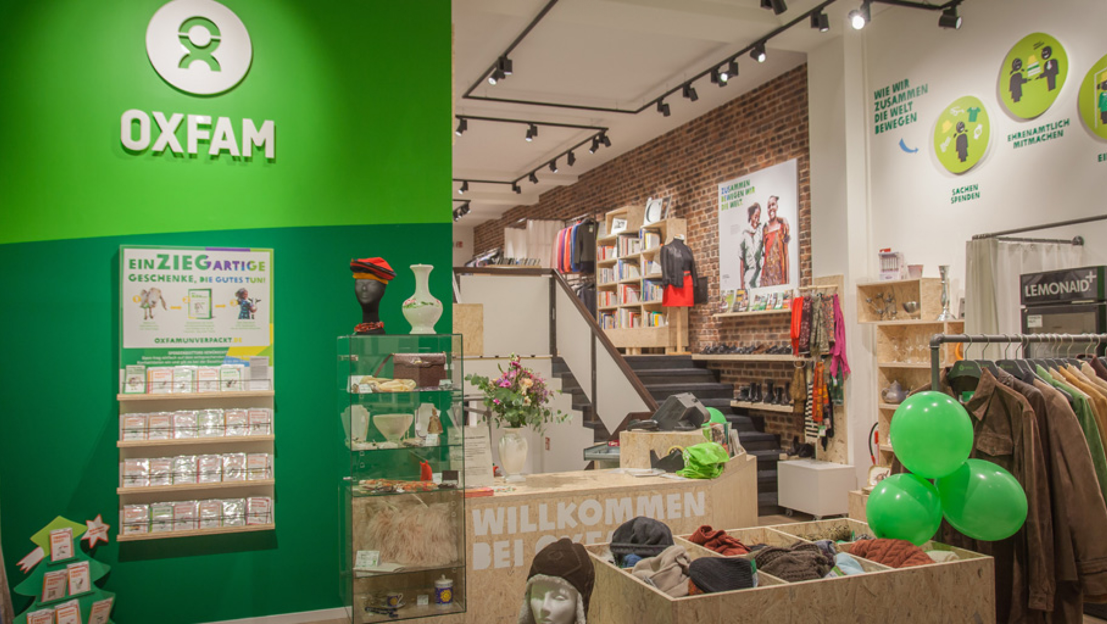 Innenansicht Oxfam Shop Berlin-Kreuzberg
